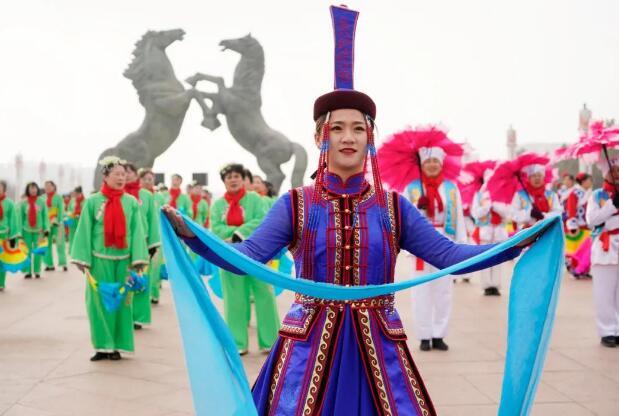 秧歌不断、鼓声连连,康巴什欢声笑语庆佳节!